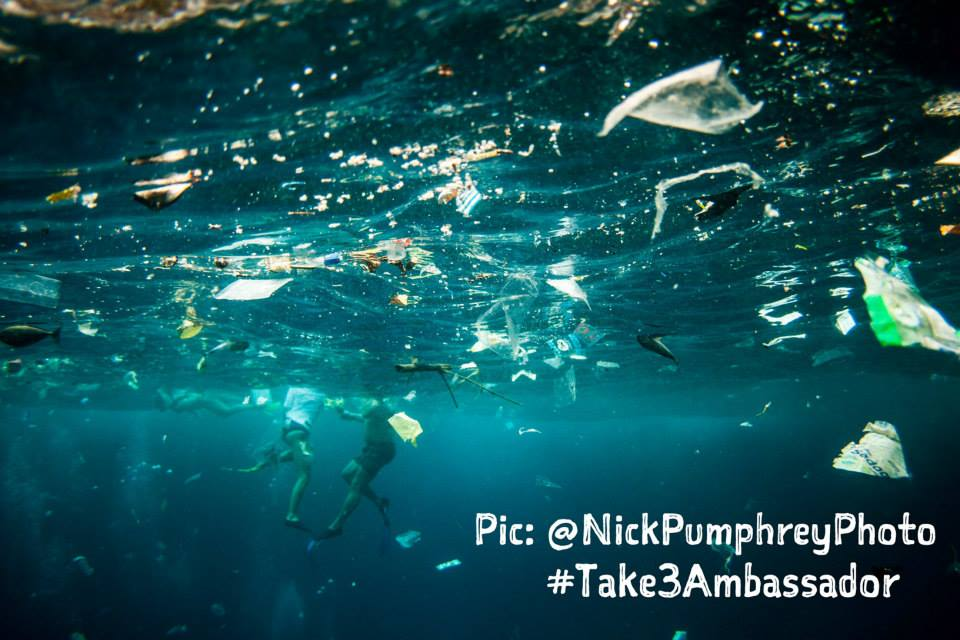 Photographer Captures Heartbreaking Images of What It's Like to Dive in an Ocean of Plastic
